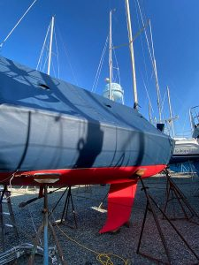 Alerion 28 Sailboat winter storage cover in Top Gun Navy